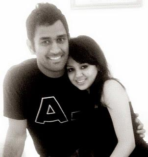 Dhoni and his wife Sakshi Dhoni